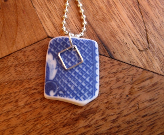 Vintage Blue Willow tumbled china pendant TrAsH gLaSs