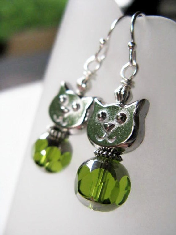 Kitty Cat Face Beaded Sterling Silver Earrings - Olive
