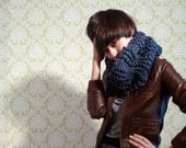 CAMBRIDGE chunky COWL scarf  in denim