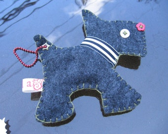 Handmade Felt Doggie Toddy Scotty Charm