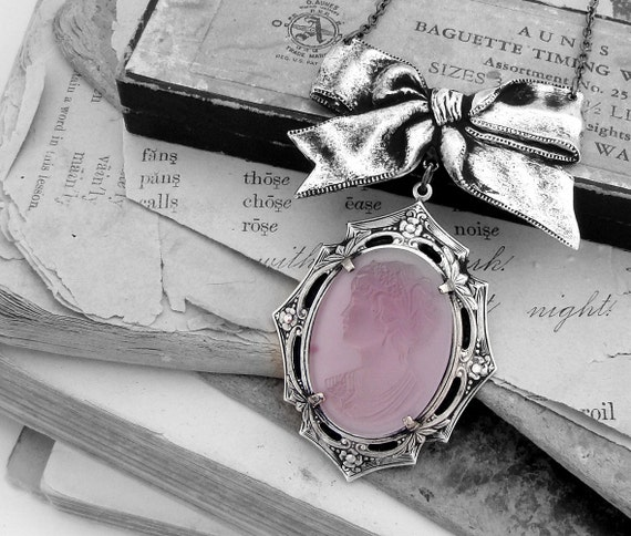 Lady Ambrosia - Vintage Lavender Glass Cameo Necklace in Silver