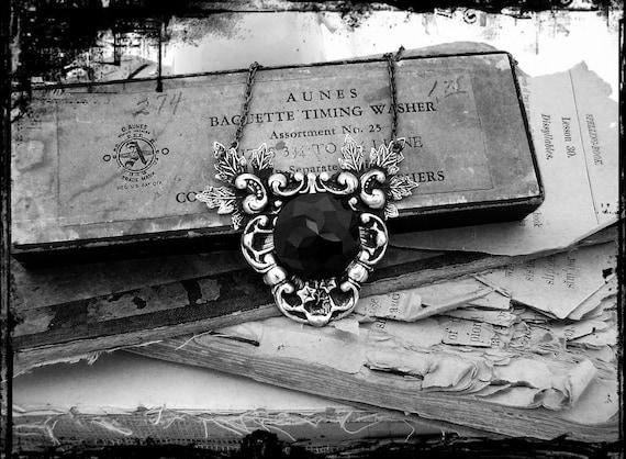 Nix - UnSeelie Collection - Black Jewel, Filigree Neo Victorian Gothic Necklace