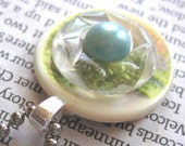 blue pearl on garden button (free shipping)