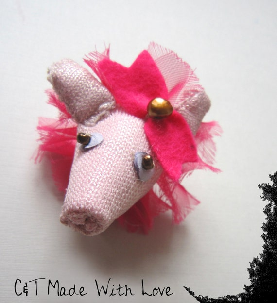 Marie Antoinette's Pig Ring - Pet therapy Collection -