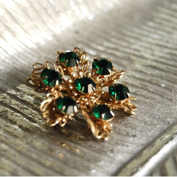 Vintage Brooch, Gold Leaves with Emerald Green Rhinestones Christmas Jewelry