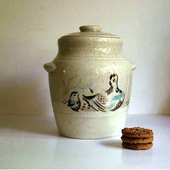 Vintage Red Wing Bob White Quail Bird Cookie Jar with Lid