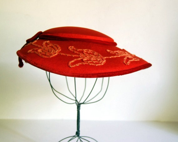Vintage Hat 1940s Red Picture Hat with Embroidery Christmas Hat