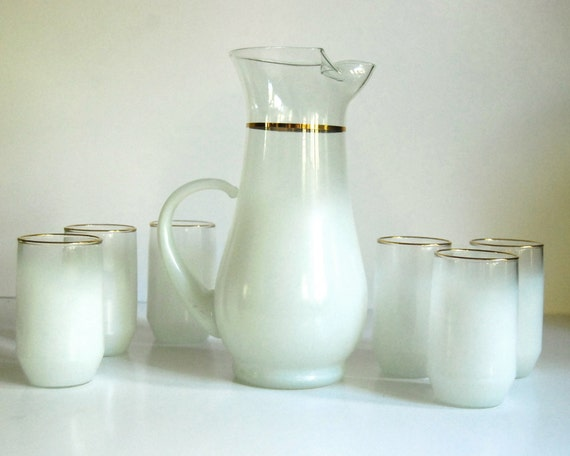 Vintage Pitcher, Blendo White Satin Frosted Pitcher with Glasses Retro Barware / Juice Set