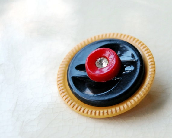Vintage Button Brooch, Sunny Bakelite Eco Friendly Jewelry Yellow Red Black Recycled Accessories Art Deco Fashion