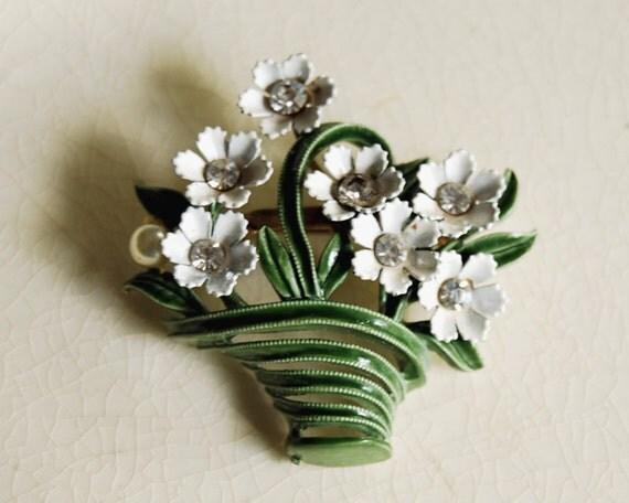 Vintage Brooch Flower Basket Pin Enamel 1950s Rhinestone