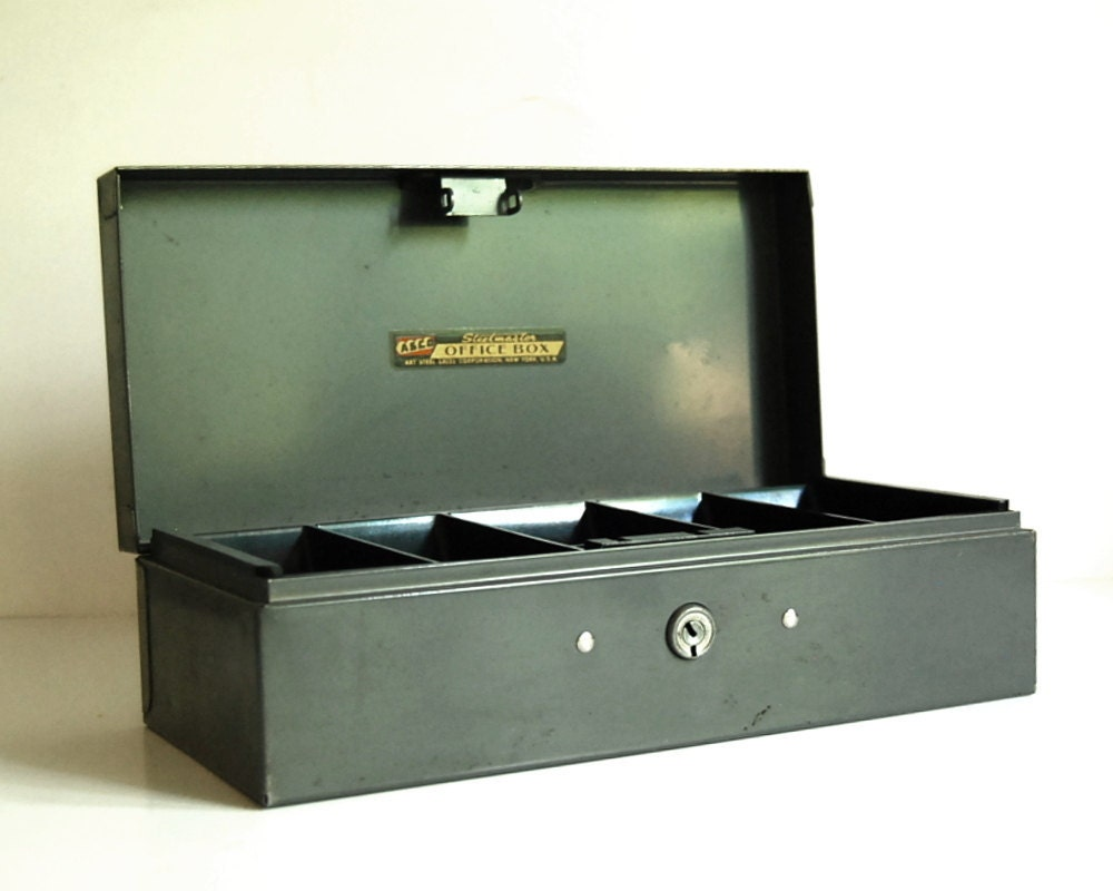 Vintage Box Steelmaster Metal Cash Box With Coin By