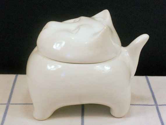 Vintage White Ceramic Kitty Cat Candy Dish Trinket Box