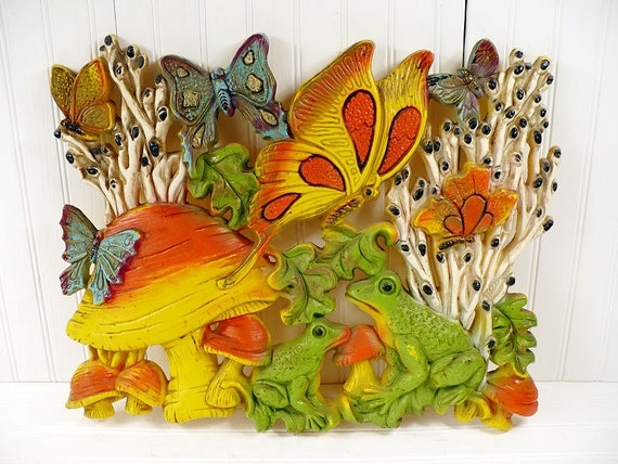 Vintage Homco Large Plastic Wall Hanging Plaque Mushrooms Butterflies Frogs