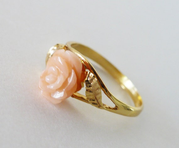 Vintage Carved Coral Rose Gold Ring - Pink Coral 1960s Size 6 Graduation Gift -  FREE SHIPPING - Pastel Pink Natural Coral Jewelry