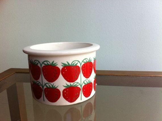 Mid Century Arabia of Finland Strawberry Jam Pot no lid