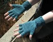 Hand Knitting Pattern for fingerless gloves