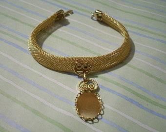 Gold Mesh Band Pendant Bracelet with 18 x 13 mm Cabochon Setting Bracelet Blank