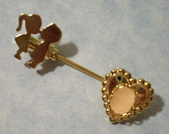 Kissing Couple Pin with 8mm x 10mm Cabochon Setting