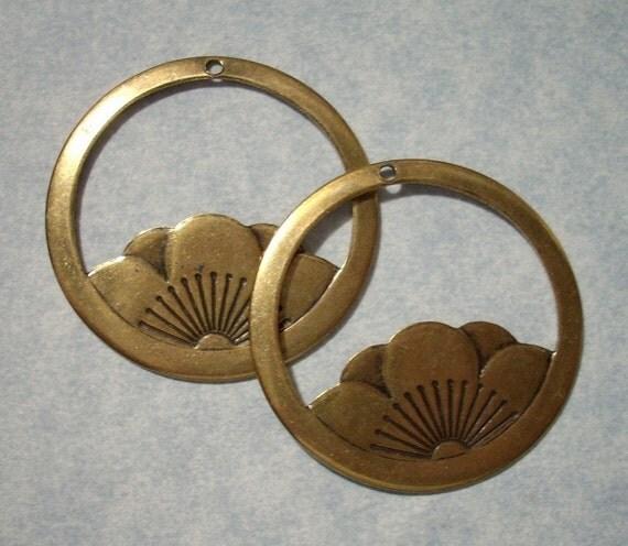 2 Vintage Brass Lotus Pendants Lotus Charms
