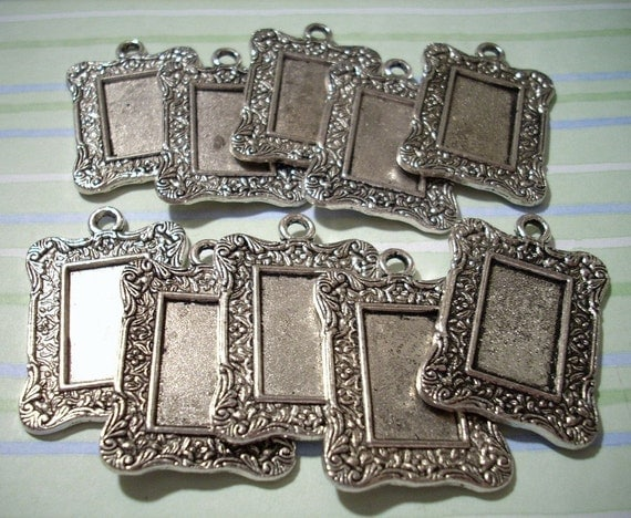 10 Altered Art Picture Frame Pendants