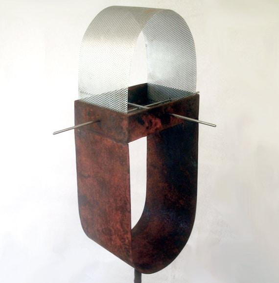 Sculptural Bird Feeder 225