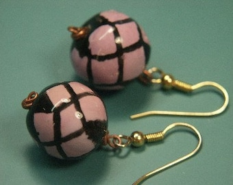 Unique one-of-a-kind earhangings with handmade painted pink and black clay balls