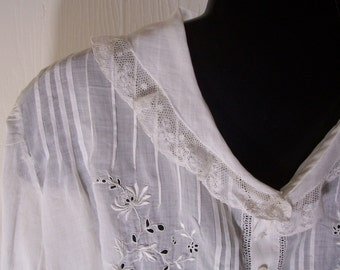 Antique Hand Embroidered Ladies Blouse