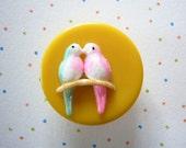 LOVE BIRDS sweet kitsch pin brooch
