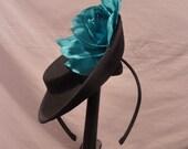Sophie mini black side tilted hat