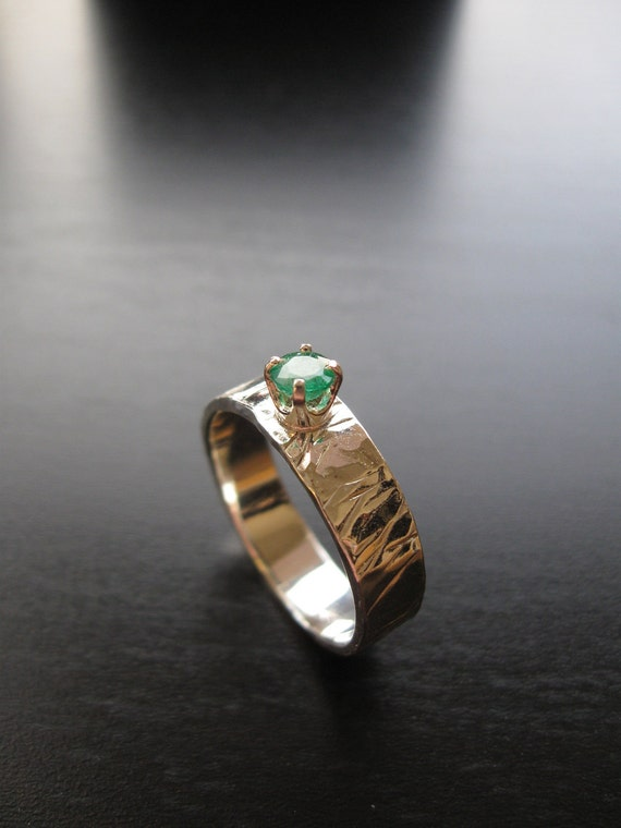 Sterling Silver hammered band with round faceted emerald HEIDI Ring