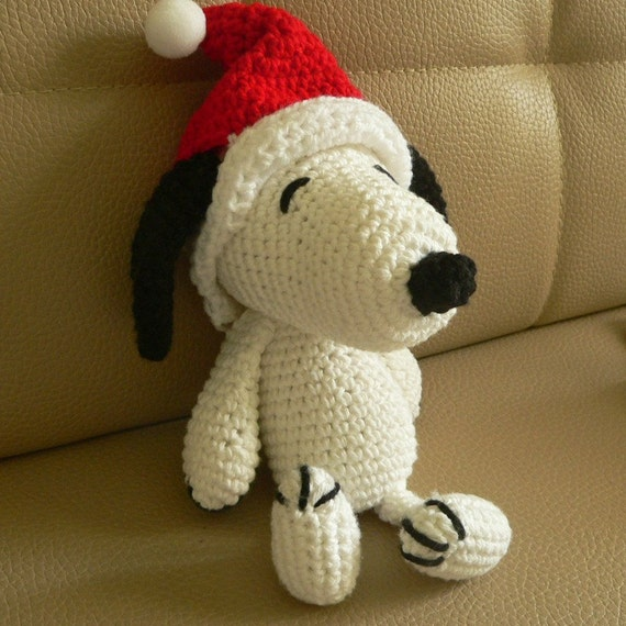 Items similar to Christmas Amigurumi Santa Claus Snoopy ...