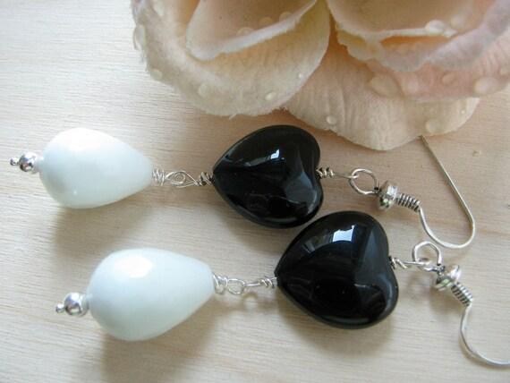 Black heart earrings  Heart jewelry Heart earrings