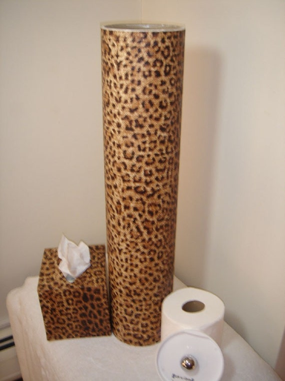 Brown leopard print bathroom accessory ensemble by tubesbytoni for Brown bath accessories