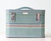 Vintage Train Case - Amelia Earhart brand luggage