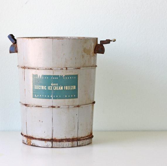 Vintage Ice Cream Freezer Bucket