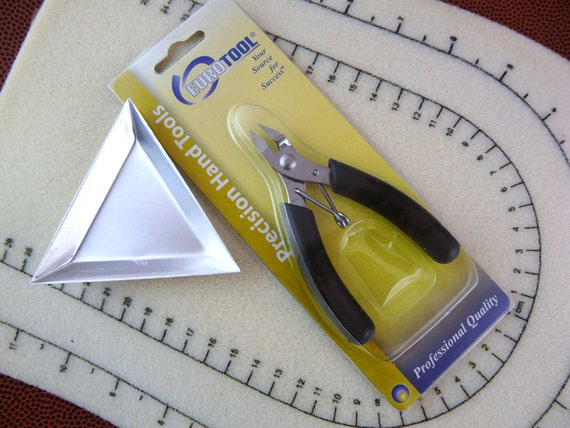 Bead Mat, Sidecutter, Triangle Tray Scoop