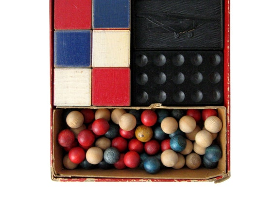 Vintage FLYING COLORS Game by The Embossing Company