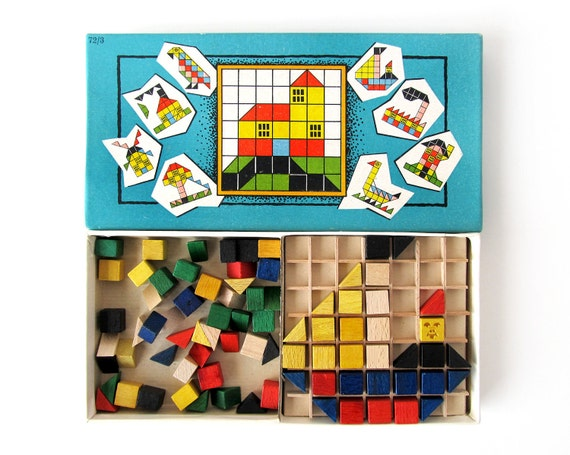 Wooden BUILD-A-PICTURE Puzzle - Vintage Design Toy