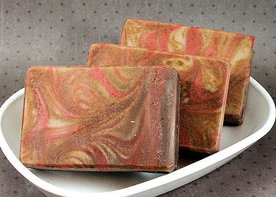 DRAGON'S BLOOD Cold Process Soap with Olive Oil and Shea Butter - Vegan