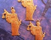 1 PC Natural Brass Blind Lady Justice Charm  Finding  - B0029
