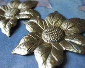 1 PC - Large Brass Sunflower Flower Finding - Z016