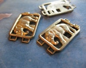 2 PC Raw Brass Elephant Bracelet / Necklace Link Finding 10 x 15mm - S0404