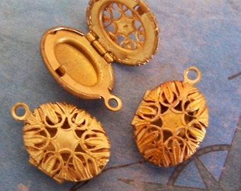 1 PC Raw Brass Vintage Filigree Locket Finding -  LF0884