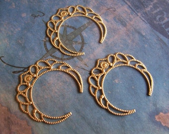 4 PC Raw Brass Filigree Circle \/ Crown Jewelry Finding -  M0290