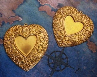 2 PC Raw Brass, Large Victorian Heart Pendant / Vintage Style - ZNE I0193