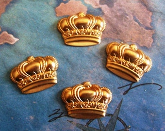 2 PC Raw Brass Stamping Small Crown Finding / Embellishment -  A0002