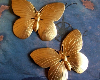 2 PC Raw Brass Large DECO Butterfly finding - ZNE F0131