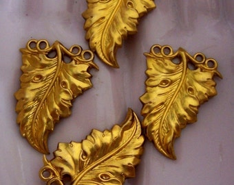 4 PC Brass Nouveau / DECO Leaf Jewelry Finding - H0166