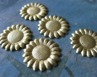 6 PC - Raw Brass Tiny Daisy Flower Finding - BB01