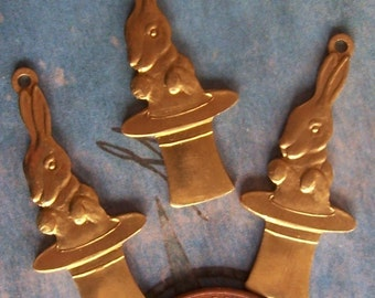 2 PC Raw Brass Magical Rabbit in  a Hat -  Charm Finding - A0020